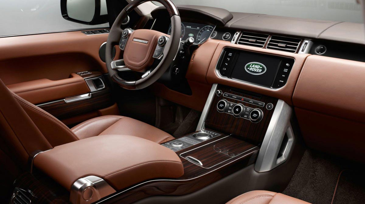 Range Rover Vogue car hire interior